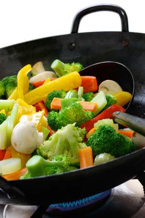 中国中華鍋で野菜の炒め