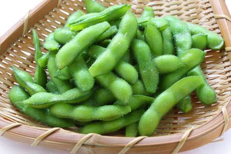 comida japonesa: edamame mordiscos, cocidos frijoles de soya verdes, comida japonesa Foto de archivo