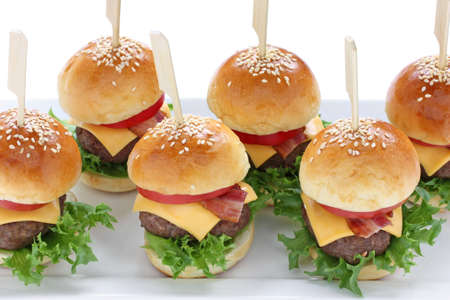close up food: mini-hamburgers, mini-hamburgers, party food, fingerfood Stockfoto