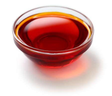 赤色のパーム油、液体の状態