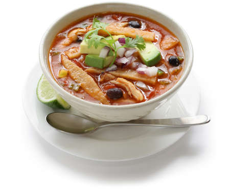 soup spoon: zuppa di tortilla, cucina messicana