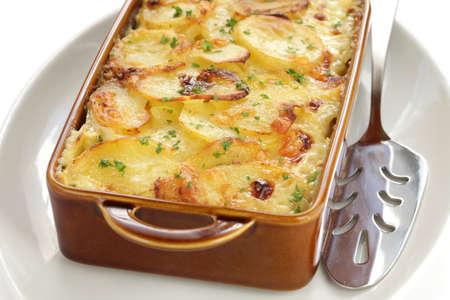 double oven: potato gratin, gratin dauphinois, french cuisine