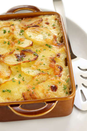 oven potatoes: potato gratin, gratin dauphinois, french cuisine