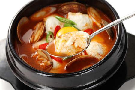 sundubu jjigae, estofado de tofu suave coreano Foto de archivo