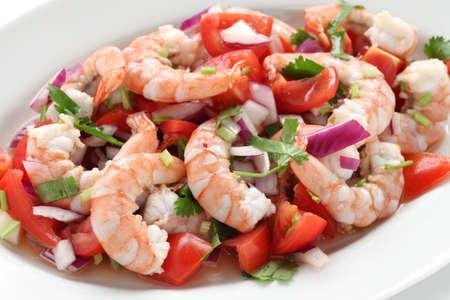 gamba: ceviche de camarón, ceviche de gambas, ensalada de mariscos marinados