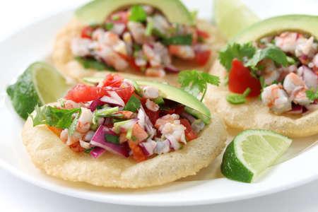 Avocado: tostadas de ceviche, comida mexicana