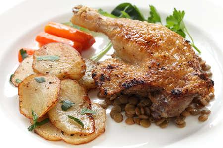 pato: pato confitado, franc�s bistro plato