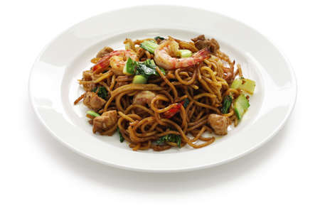 shrimp: mie goreng, mi goreng, indonesian cuisine, fried noodles with chicken, prawn and pak choi