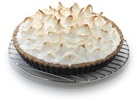 pie de limon: al horno tarta de merengue de limón en el refrigerador pastel