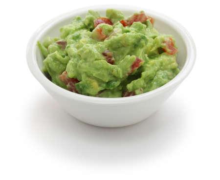 guacamole dip in de kom op een witte achtergrond Stockfoto
