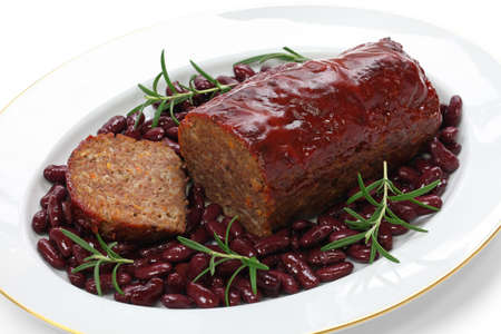 albondigas: pastel de carne clásico, comida americana