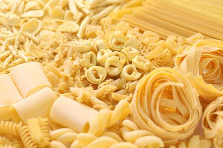 comida italiana: surtido de pasta, comida italiana