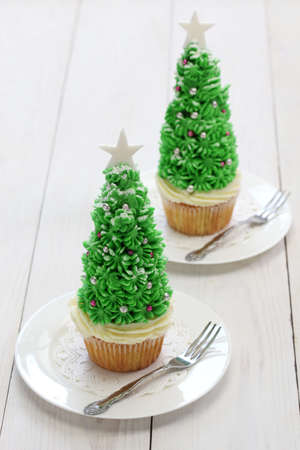 homemade christmas tree cupcake photo