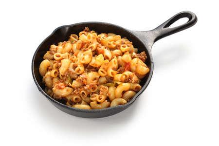 macarrones: chop suey americano, americano gulash, plato de pasta americana