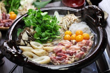 일본어 닭 냄비 요리, kritanpo 냄비와 hinaizidori 스톡 콘텐츠