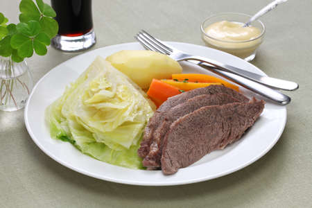 cabbage: corned beef and cabbage, st patricks day dinner Stock Photo
