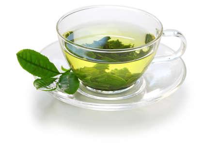 tazza di th�: vetro tazza di t� verde giapponese isolato su sfondo bianco Archivio Fotografico