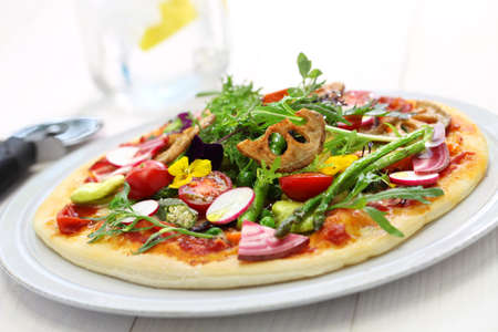 healthy vegetable pizza vegetarian food