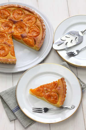 aux: Apricot tart, tarte aux abricots