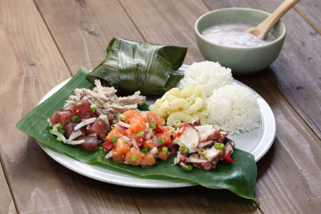Hawaiiaanse traditionele bord lunch Stockfoto