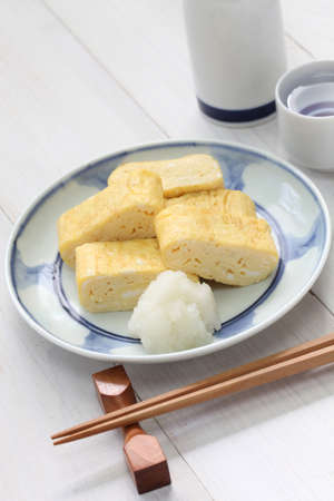 dashi: dashimaki tamago, japanese rolled omelet with dashi