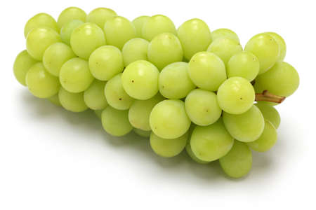 Shine muscat, Japanse nieuwe variëteit druif die op een witte achtergrond Stockfoto
