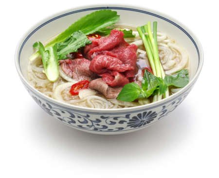 bo Pho, vietnamese beef rice noodle soup isolated on white background 版權商用圖片