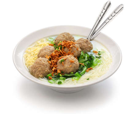 meatball soup with noodles, bakso and indonesian cuisine 版權商用圖片