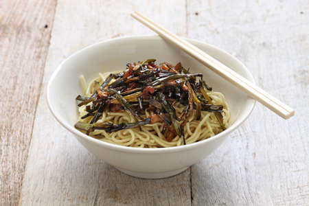 mian: scallion oil noodles, Chinese Shanghai food