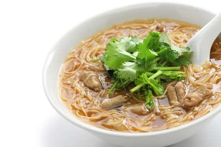 intestino grueso: cerdo intestino grueso fideos de sopa, pasta taiwanesa cocina Foto de archivo
