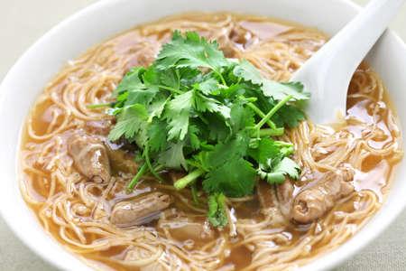 Maiale intestino crasso vermicelli zuppa, cucina tagliatella Taiwanese Archivio Fotografico - 57860078