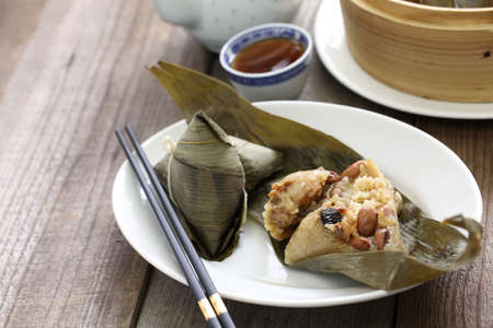 zongzi, the chinese rice dumpling, the dragon boat festival food Reklamní fotografie - 58914546