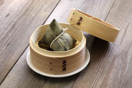 Zongzi, la boulette de riz chinois, le dragon boat festival alimentaire Banque d'images - 59014844