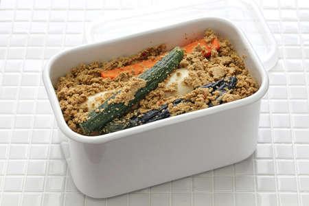쌀겨 절임 야채 냉장고에 스톡 콘텐츠