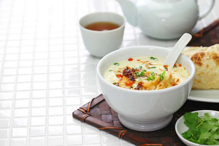 soy milk soup, taiwanese breakfast isolated on white background Foto de archivo