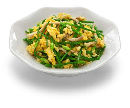 gebratener blühender Knoblauch-Schnittlauch mit Eiern rühren, chinesische Küche Standard-Bild