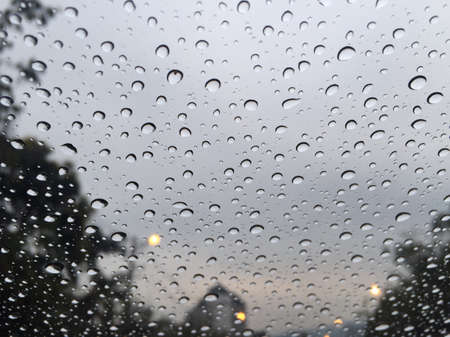 aqua: Water drop outside windows