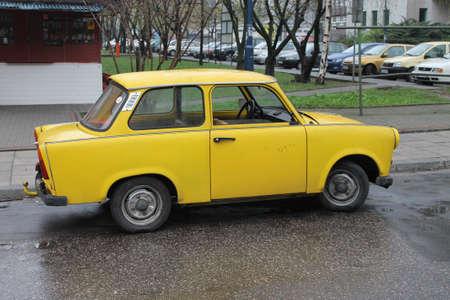 two stroke: Little Yellow TRABANT Este alem�n de autom�viles.
