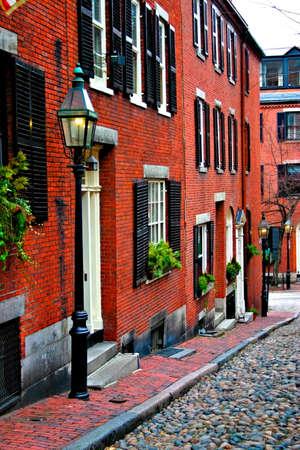 house gables: Beacon Hill es una fascinante, a principios de barrio del siglo 19 con calles estrechas. La hilera de casas son casi todos en ladrillo en el Federal, los estilos victoriano y georgiano. Este Distrito Hist�rico Nacional se encuentra excepcionalmente bien conservada, con vivienda en buen estado