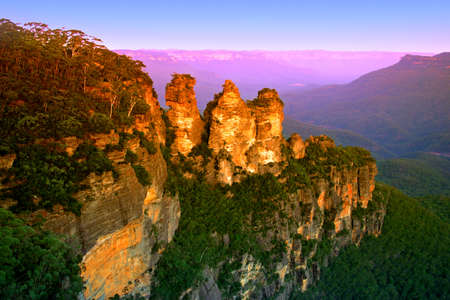 australia landscape: The Blue Mountains National Park is a national park in New South Wales, Australia