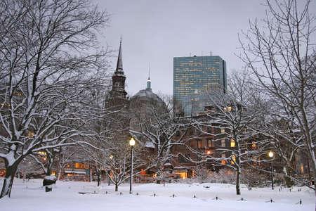 boston common: Snowy winter at Boston, Massachusetts, USArn