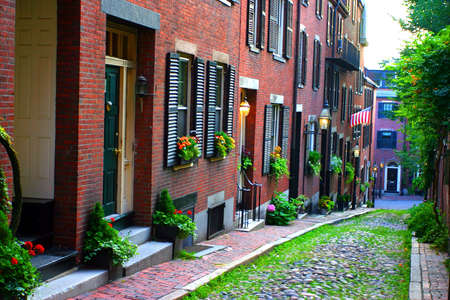 rowhouses: Beacon Hill is a wealthy neighborhood of Federal-style rowhouses, with some of the highest property values in the United Statesrn Stock Photo