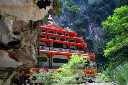 developed: Sam Poh Tong is the most famous and developed cave temple in Malaysia   Stock Photo