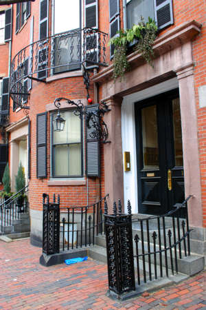rowhouses: Beacon Hill is a wealthy neighborhood of Federal-style rowhouses Stock Photo