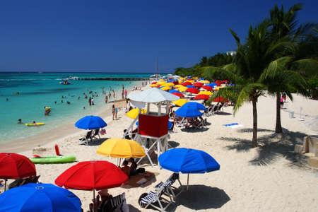 Doctor's Cave Beach Club, Montego Bay (ook bekend als Doctor's Cave Baden Club) is een van de meest beroemde stranden van Jamaica voor bijna een eeuw.
