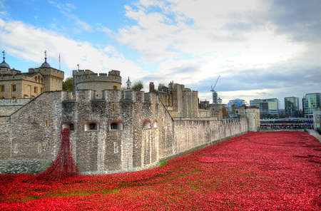 Tower of London with sea of Red Poppies to remember the fallen soldiers of WWI - 30th August 2014 - London, UK