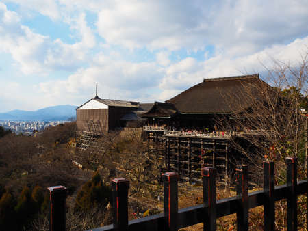 dera: The wooden old great temple of Kyoto