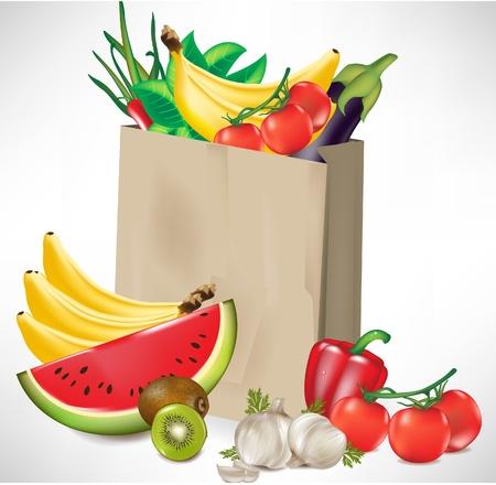 sac d'épicerie, avec beaucoup de fruits et légumes isolé
