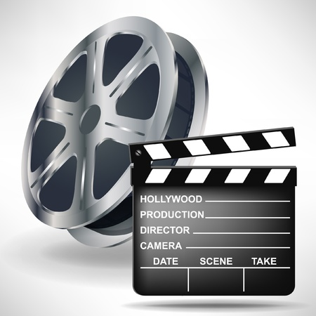 movie clapper: batacchio film e bobina isolato su bianco