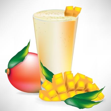 mezcla de frutas: batido de mango con fruta fresca y cortada aisladas